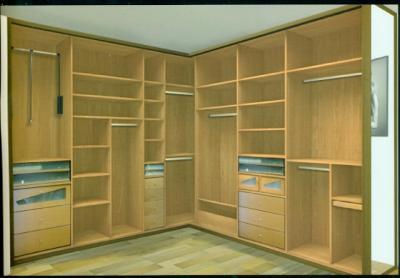 Mi casa decoracion armarios tres puertas rincon - Armarios de rincon ...